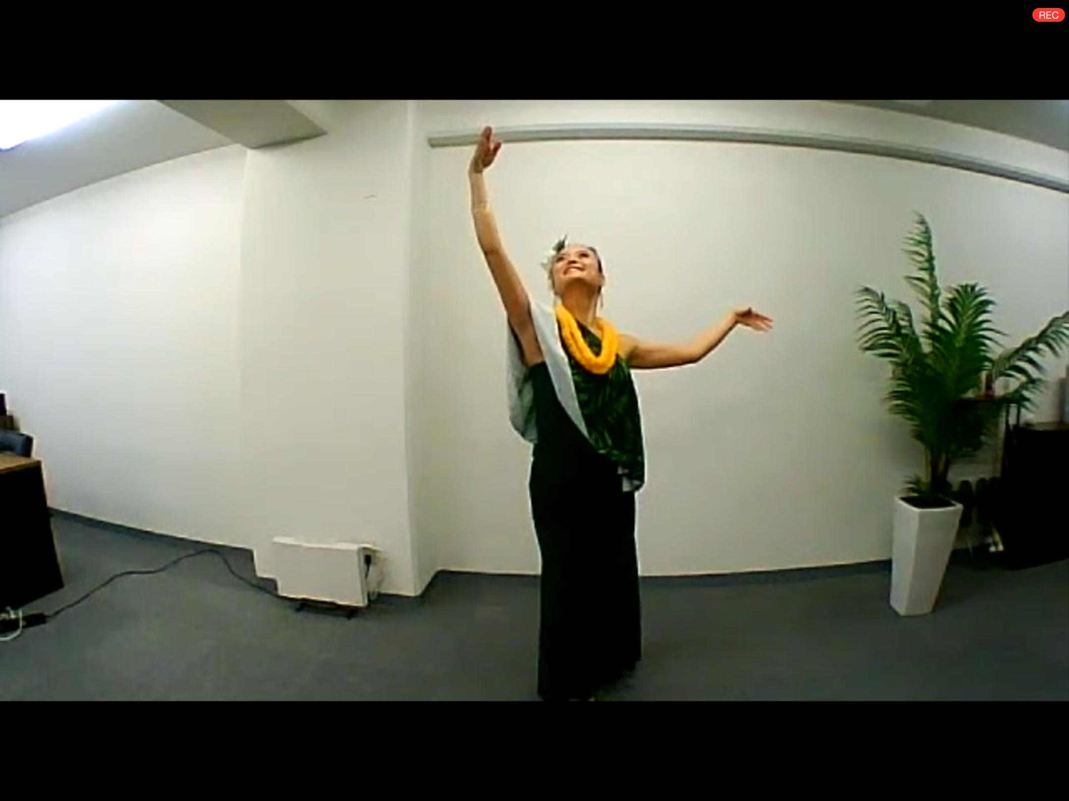 """自然と繋がる踊り、""""フラ""""に挑戦しました!"""