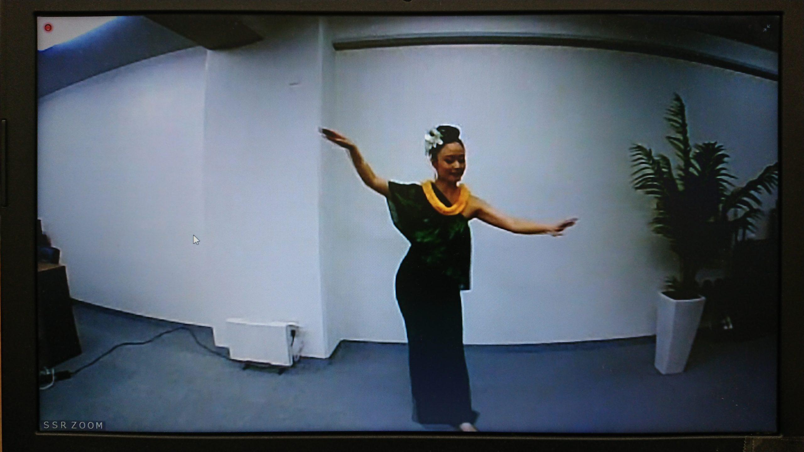 自然と繋がる踊り「フラ」を体験しました!